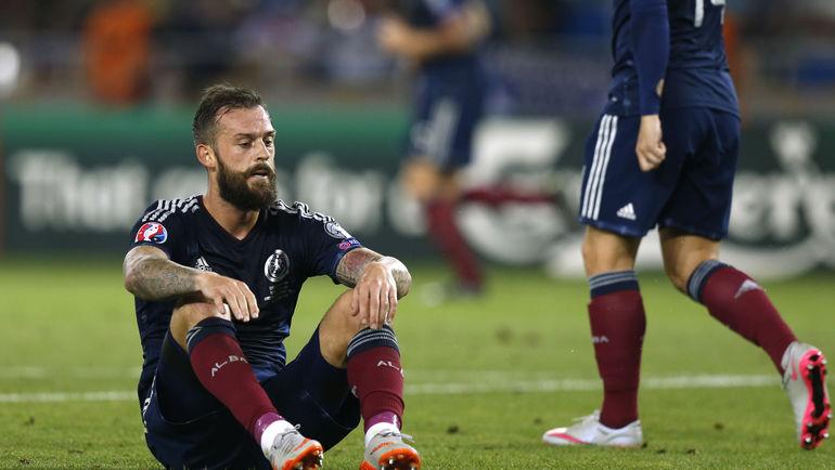 Тбилиси. Грузия - Шотландия - 1:0. Разочарование Стивена ФЛЕТЧЕРА. Фото REUTERS