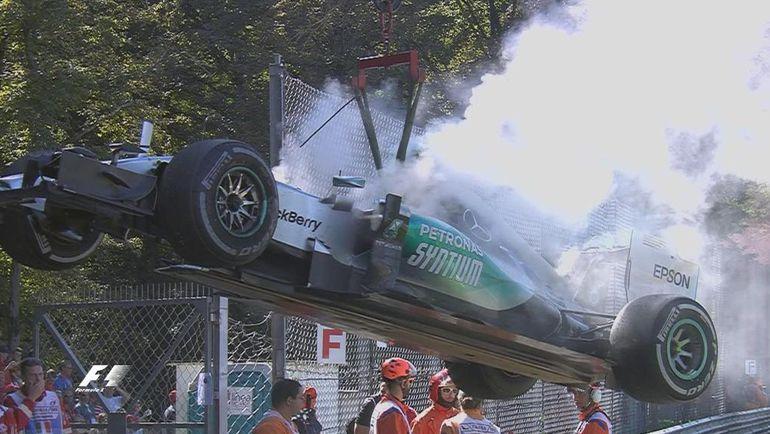 """""""Мерседес"""" Нико Росберга. Фото F1"""