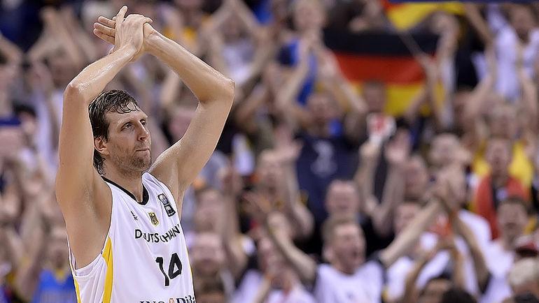 Форвард Дирк НОВИЦКИ завершает карьеру в сборной Германии. Фото Официальный сайт ФИБА