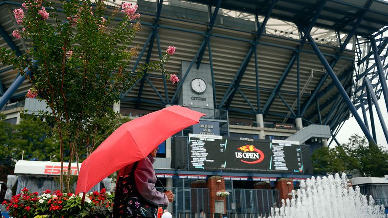 Дождь серьезно спутал в четверг планы организаторам US Open. Фото AFP