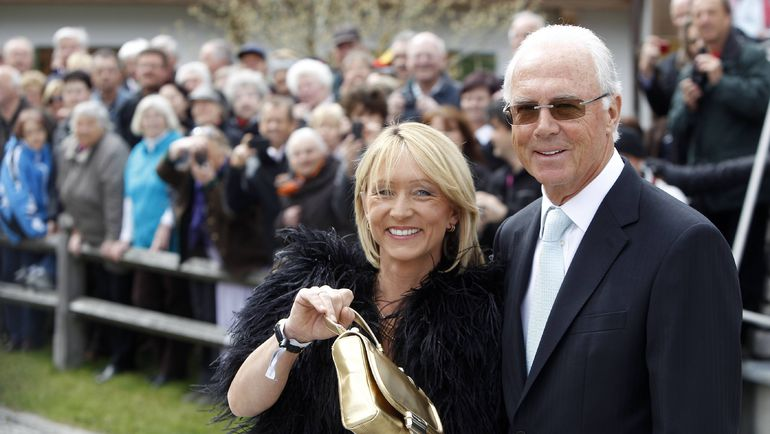 2011 год. Франц БЕККЕНБАУЭР и его жена Хайди. Фото REUTERS