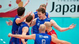Четверг. Тояма. Канада - Россия - 0:3. Сергей ТЕТЮХИН (№8) с партнерами празднует победу.
