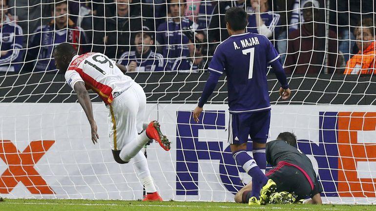 """Брюссель. """"Андерлехт"""" – """"Монако"""" – 1:1. 85-я минута. Нападающий монегасков Ласина ТРАОРЕ (19) принес ничью свою команде. Фото REUTERS"""