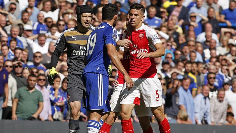 """Суббота. Лондон. """"Челси"""" - """"Арсенал"""" - 2:0. Лондонское дерби омрачило безобразное поведение нападающего """"синих"""" Диегу КОСТЫ. Фото REUTERS"""