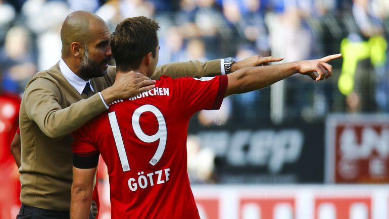 "Суббота. Дармштадт. ""Дармштадт"" – ""Бавария"" – 0:3. Хосеп ГВАРДЬОЛА дает указания Марио ГЕТЦЕ. Фото REUTERS"
