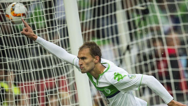"""Суббота. """"Вольфсбург"""" - """"Герта"""" - 2:0. Нападающий """"Вольфсбурга"""" Бас ДОСТ. Фото AFP"""