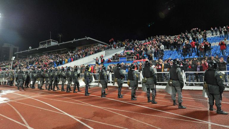 На этот раз на стадионе обойдутся без ОМОНа. Фото Татьяна ДОРОГУТИНА