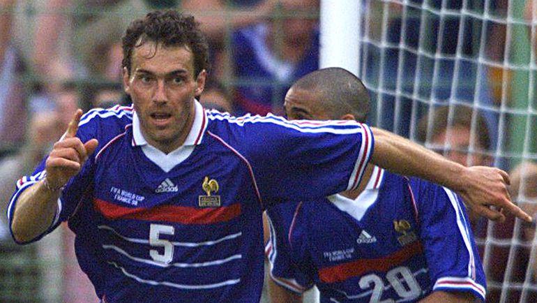 28 июня 1998 года. Франция - Парагвай - 1:0 (д.в.). Лоран БЛАН празднует забитый гол. Фото AFP