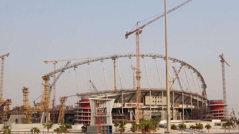 Стройка одного из будущих стадионов в Дохе. Фото REUTERS