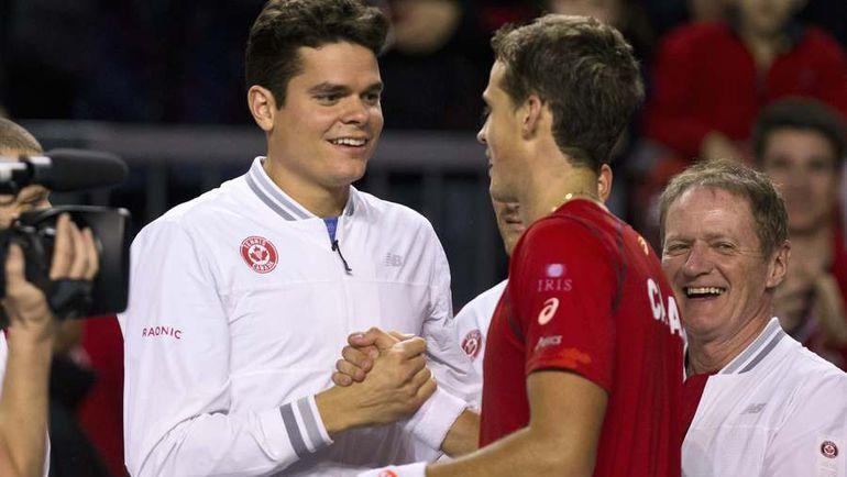 Выиграть для Канады Кубок Дэвиса - заветное желание Милоша РАОНИЧА (слева). Фото AFP