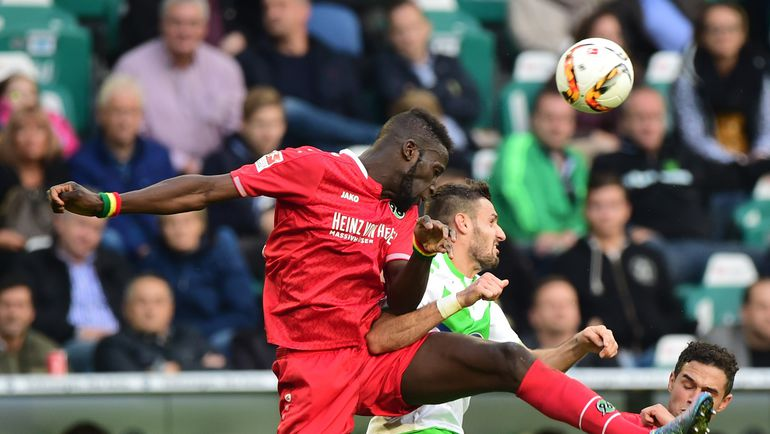 """Суббота. Вольфсбург. """"Вольфсбург"""" - """"Ганновер"""" - 1:1. """"Волкам"""" не удалось отвести душу после 1:5 в Мюнхене. Фото AFP"""