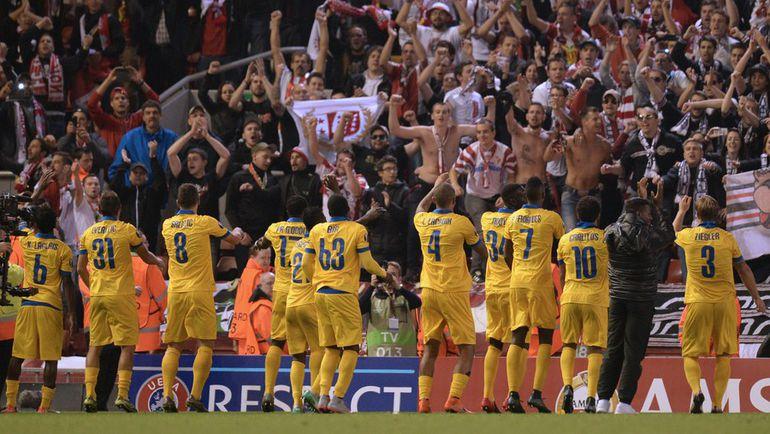 """Вчера. Ливерпуль. """"Ливерпуль"""" - """"Сьон"""" - 1:1. Гости празднуют ничью на """"Энфилде"""". Фото AFP"""