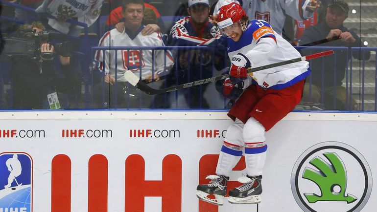 Адаптируется ли нападающий сборной России Артемий ПАНАРИН к НХЛ в первом же сезоне? Фото REUTERS
