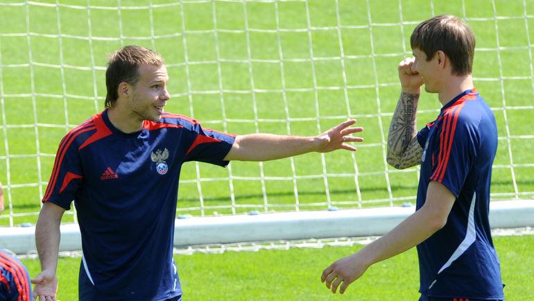 В последний раз Роман ШИШКИН (слева) играл в сборной России почти четыре года назад. Фото Татьяна ДОРОГУТИНА