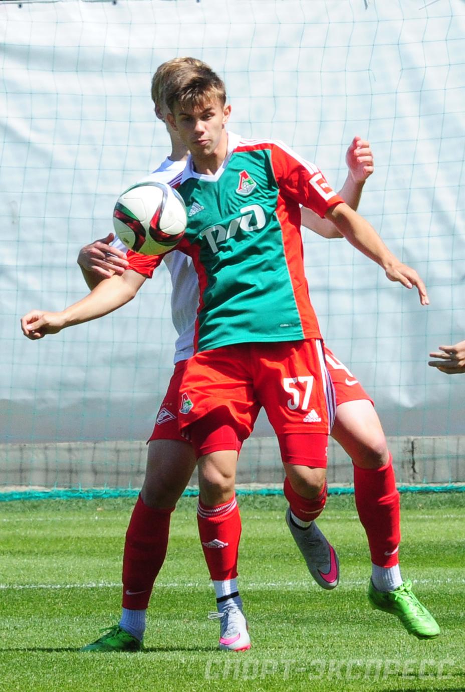 Вольфсбург проявляет интерес к Базуру — Kicker