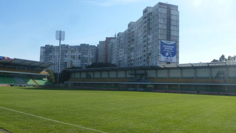 """Стадион """"Зимбру"""". Фото Игорь РАБИНЕР, """"СЭ"""""""