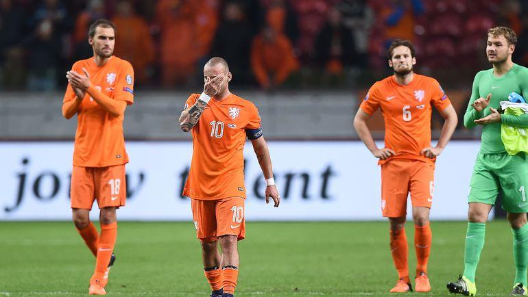 Футболисты сборной Голландии не смогли пробиться в финальную часть чемпионата Европы. Фото AFP