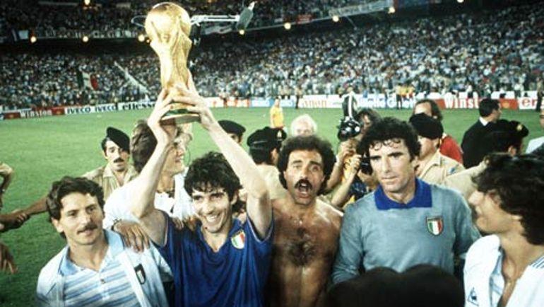 Сборная Италии - чемпион мира 1982 года. Фото REUTERS