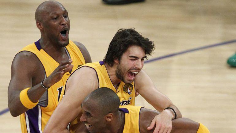"""Ламар ОДОМ (слева) в составе """"Лейкерс"""" дважды побеждал в финальных сериях НБА. Фото REUTERS"""