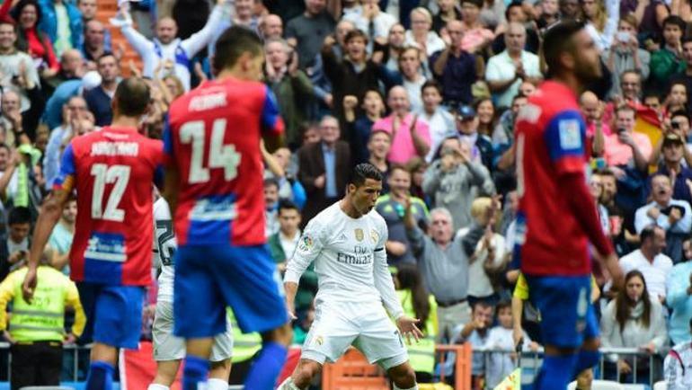 """Суббота. Мадрид. """"Реал"""" - """"Леванте"""" - 3:0. КРИШТИАНУ РОНАЛДУ: есть рекорд! Фото AFP"""