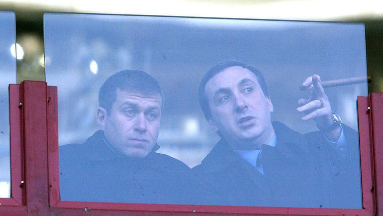 2004 год. Роман АБРАМОВИЧ (слева) и Евгений ГИНЕР. Фото Александр ВИЛЬФ