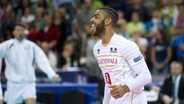 Всем Нгапет! Франция - новый чемпион Европы