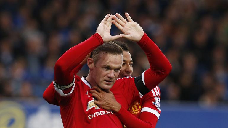 """Суббота. Ливерпуль. """"Эвертон"""" - """"Манчестер Юнайтед"""" - 0:3. Автор одного из мячей в ворота """"ирисок"""" Уэйн РУНИ. Фото REUTERS"""