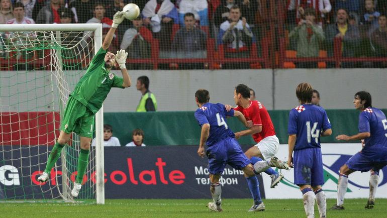 Стипе ПЛЕТИКОСА в матче отборочного турнира Euro-2008 с Россией. Фото Александр ВИЛЬФ