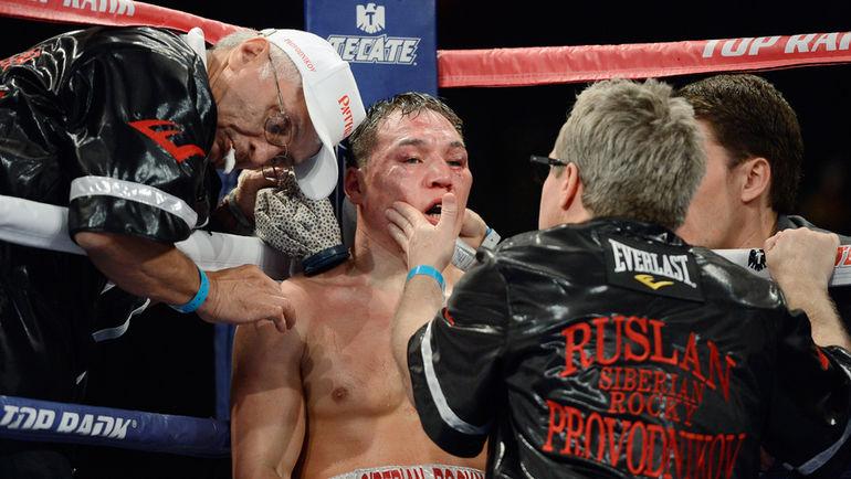 Руслан ПРОВОДНИКОВ (в центре) уже через неделю постарается реабилитироваться за поражение от Лукаса Матиссе. Фото AFP