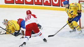 Сегодня. Хельсинки. Россия – Швеция – 6:3. Нападающий сборной России Даниил АПАЛЬКОВ (80) открывает счет в матче.