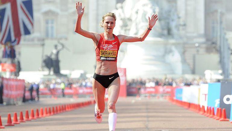 17 апреля 2011 года. Лондон. Лилия ШОБУХОВА финиширует второй в Лондонском марафоне. Фото Reuters