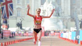17 апреля 2011 года. Лондон. Лилия ШОБУХОВА финиширует второй в Лондонском марафоне.