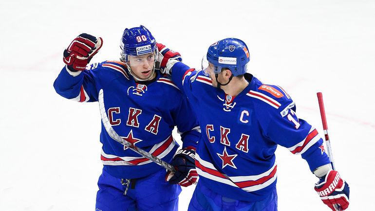 """Сегодня. Санкт-Петербург. СКА – """"Витязь"""" - 5:3. Никита ГУСЕВ (слева) и Илья КОВАЛЬЧУК. Фото ХК СКА"""