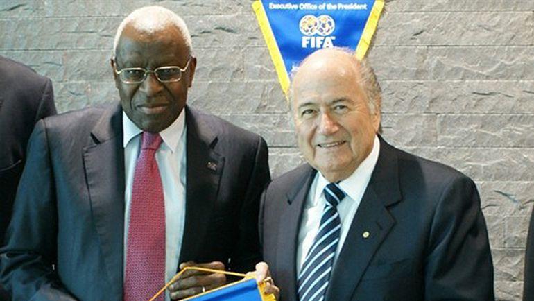 Бывшие властители короля и королевы спорта - Йозеф БЛАТТЕР (справа) и Ламин ДИАК. Фото fifa.com