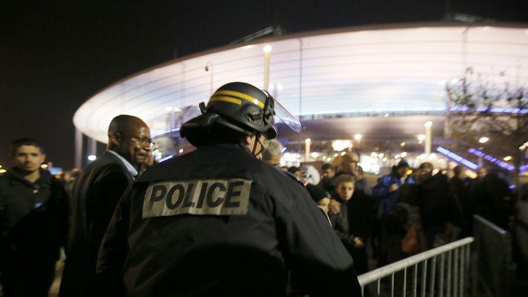Пятница. Париж. Франция – Германия – 2:0. Матч был омрачен террористическими атаками в столице Франции, один из взрывов произошел рядом со стадионом. Фото REUTERS