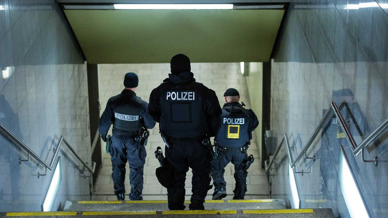 Вчера. Ганновер. HDI-Arena. Матч Германия - Голландия отменен по соображениям безопасности. Фото REUTERS