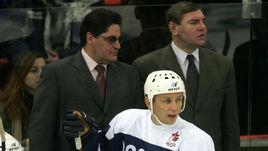 13 декабря 2004 года. Сергей МАКАРОВ и Владимир КРУТОВ на прощальном матче Игоря ЛАРИОНОВА.