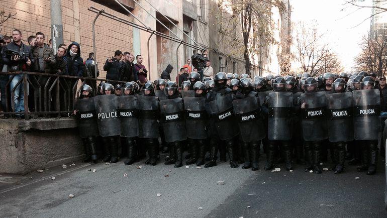 """Сегодня. Тирана. Полиция - не против народа. Фото """"СЭ"""""""