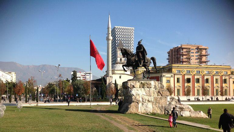 """Сегодня. Тирана. В албанской столице - снова все спокойно. Фото """"СЭ"""""""