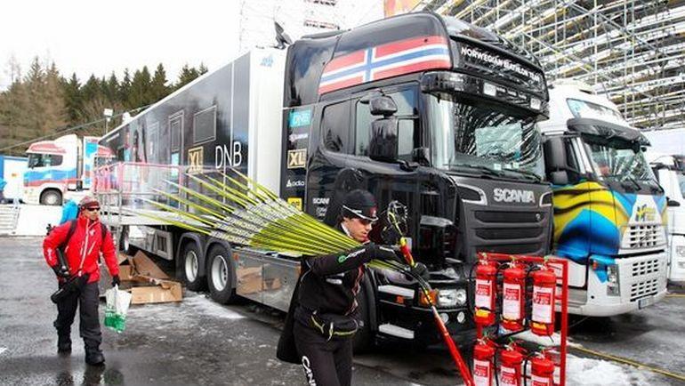 На службе биатлонистов - различные грузовики. Фото СБР