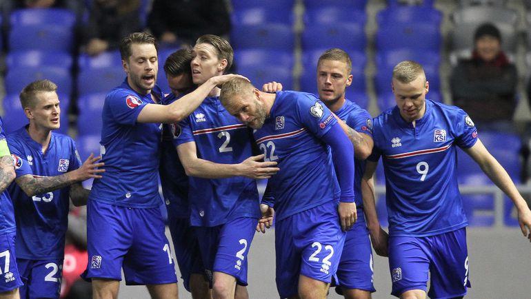 Сборная Исландии - одна из тех, кто может стать соперником сборной России по группе на Euro-2016. Фото AFP