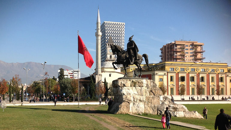 "Центр столицы Албании. Фото ""СЭ"""