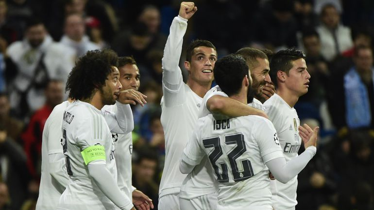 """Вторник. Мадрид. """"Реал"""" - """"Мальме"""" - 8:0. Игроки """"Королевского клуба"""" празднуют очередной гол в ворота гостей. Фото AFP"""