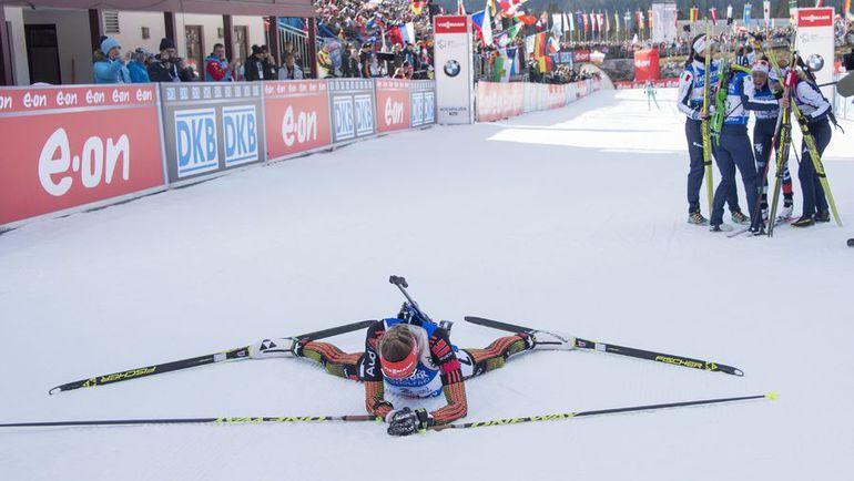 Сегодня. Хохфильцен. В финишном створе немка Франциска ПРОЙСС проиграла итальянке Доротее Вирер. Фото AFP