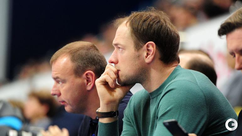 """Сегодня. Химки. """"Химки"""" – ВЭФ – 104:93. Хоккеист Илья НИКУЛИН."""