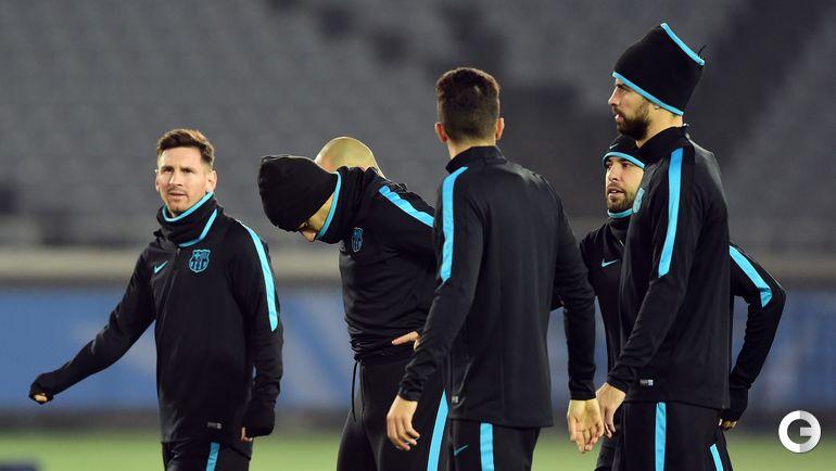 """Тренировка """"Барселоны"""". Лионель МЕССИ(слева)."""