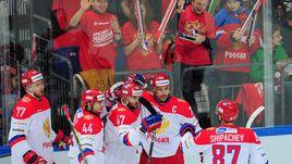 Суббота. Москва. Финляндия - Россия - 1:8. Россияне празднуют победу.