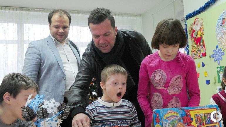 Сегодня. Москва. Лотар МАТТЕУС в детском доме № 51.