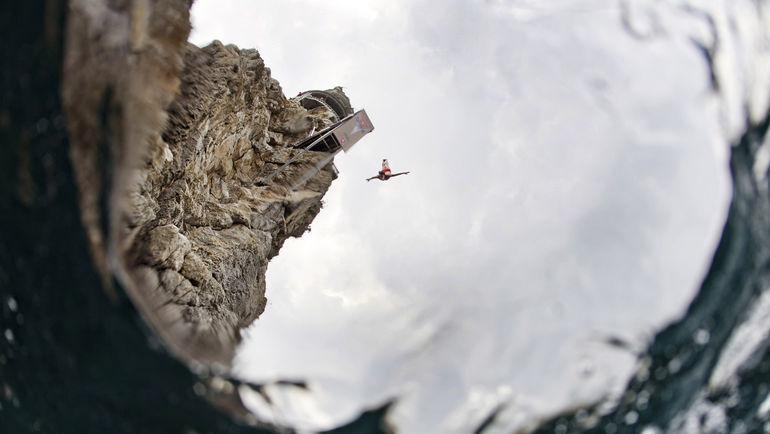 """В 2011 году Ялта принимала фестиваль по прыжкам в воду под эгидой """"Ред Булл"""". Фото Reuters"""