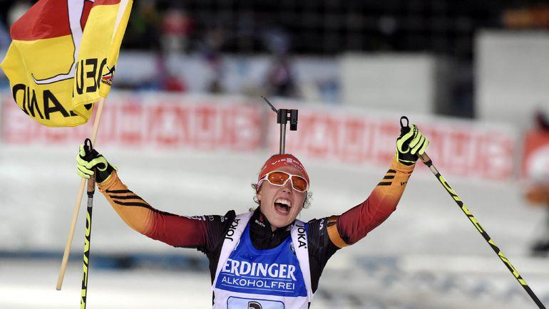 13 декабря. Контиолахти. Лаура ДАЛЬМАЙЕР празднует победу в женской эстафете. Фото Reuters